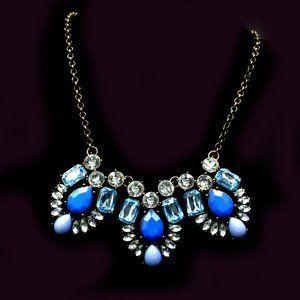 BLUE ACRYLIC/GOLDEN CRYSTAL BIB NECKLACE - JNTCYL1